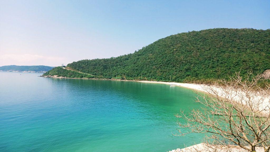 Biển Cù Lao Chàm nhìn từ sân bay trực thăng