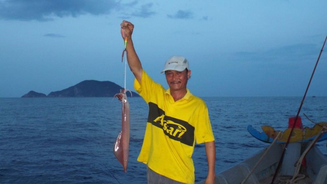 Câu mực đêm cùng ngư dân đảo Cù Lao Chàm