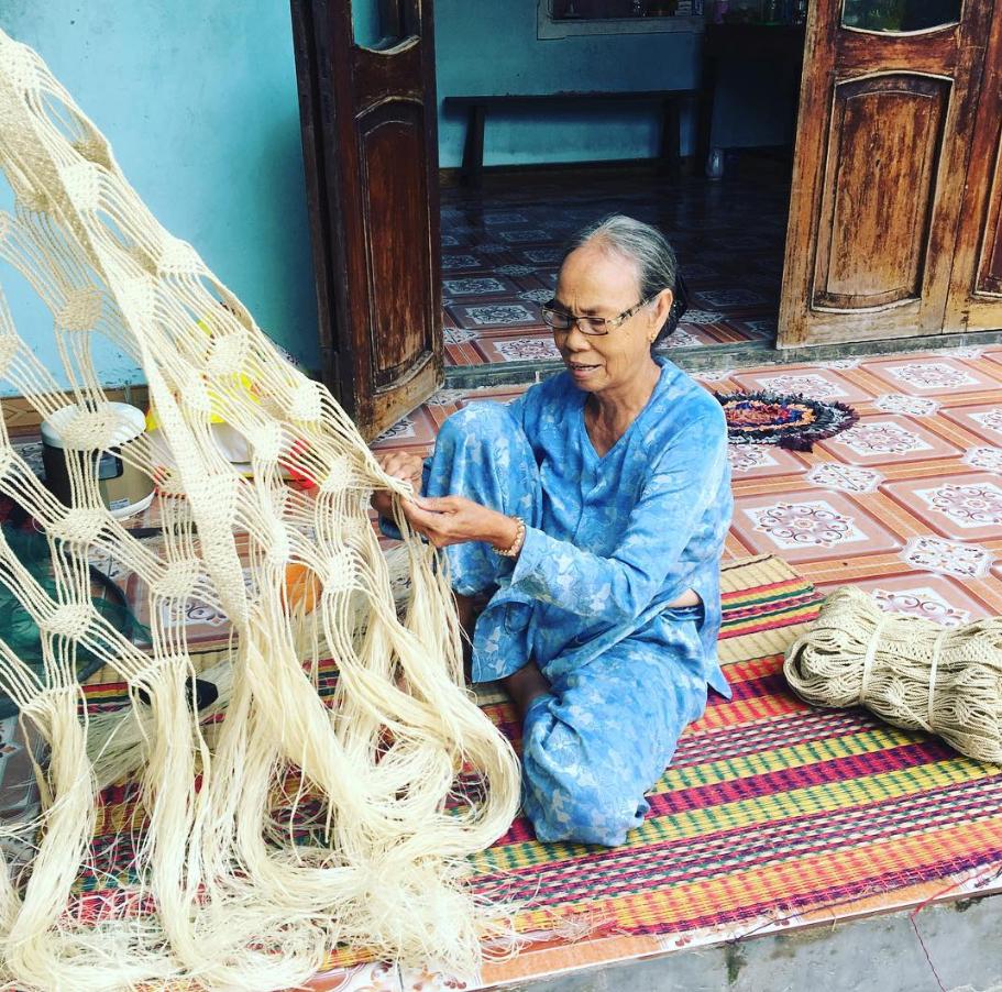 Nghề đan võng Ngô Đồng độc và lạ tại đảo Cù Lao Chàm