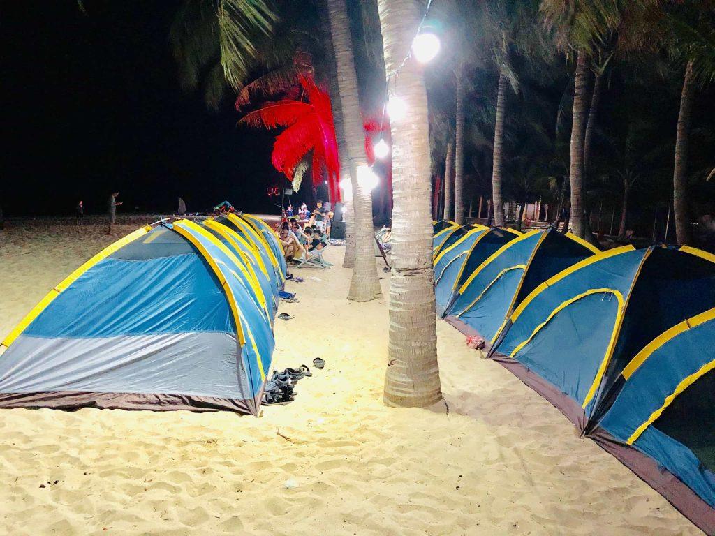 Cắm lều trại nghĩ qua đêm tại Bãi Ông Cù Lao Chàm