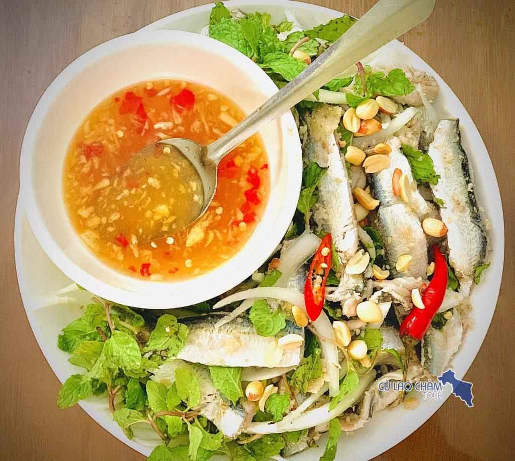 Gỏi cá trích - Món ăn dân dã cưa ngư dân Cù Lao Chàm