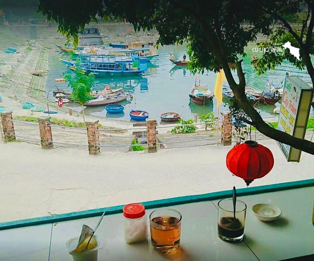 Cây Trâm Cafe với view nhìn ra Âu Thuyền