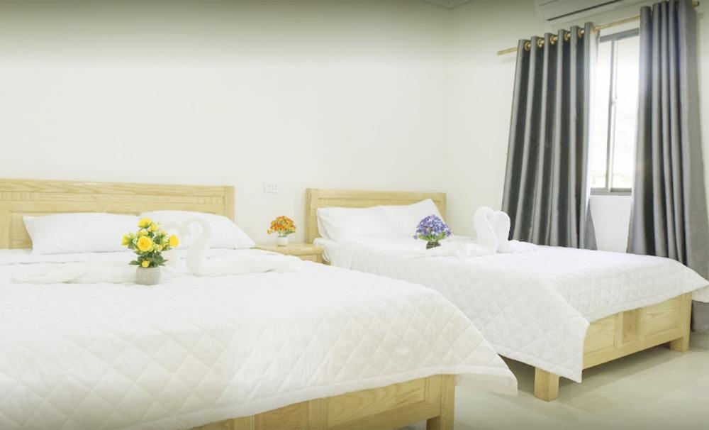 Phòng ngủ được thiết kế hiện đại không thua gì đất liền